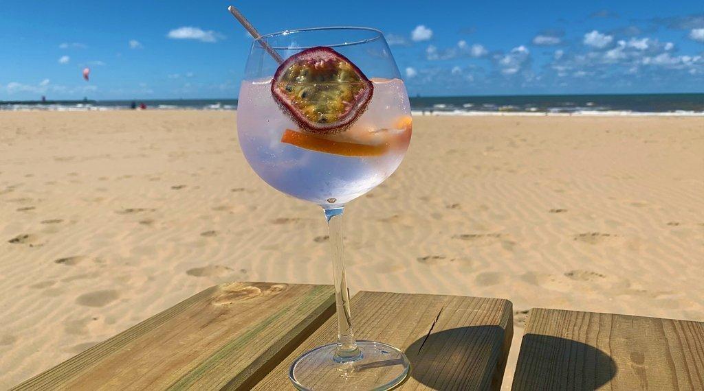 gin-tonic-proeverij-strand